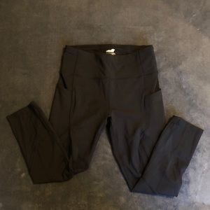 Black workout leggings with pockets